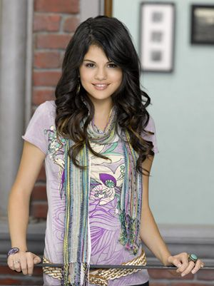 selena-gomez-wizards-of-waverly-place.jpg